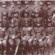 Kadra 16 pułku piechoty z Tarnowa. Władysław Kabat w górnym rzędzie piąty od lewej