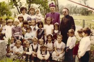 Poświęcenie Kapliczki u Państwa Łukasińskich