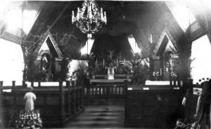 Wnętrze starego kościoła w Rudce